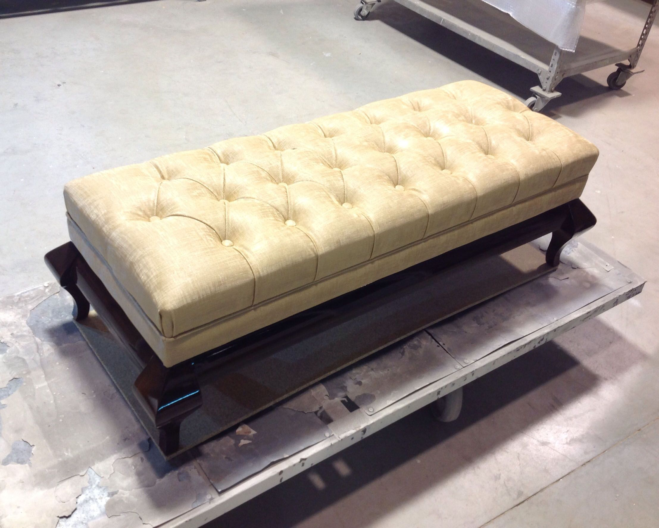 Upholstered capitone bedroom upholstered bench